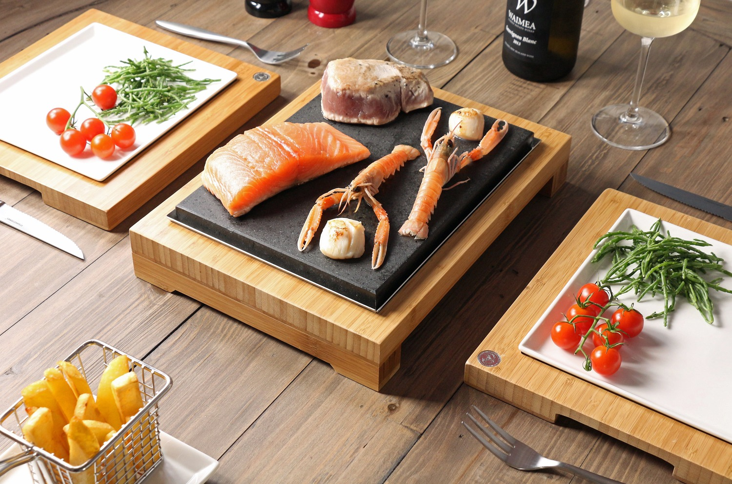 salmon-tuna-steak-on-the-sizzling-steak-sharer-from-steakstones-1500